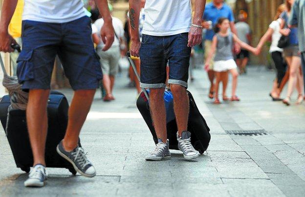 San sebasti n cierra 129 apartamentos tur sticos ilegales el diario vasco - Apartamentos turisticos en san sebastian ...