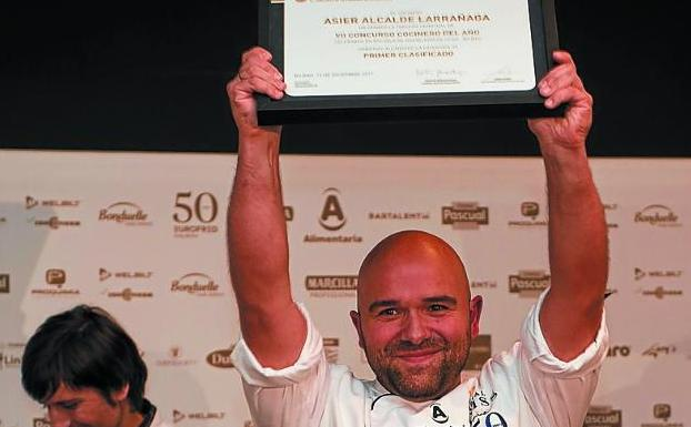 Asier Alcalde, feliz como finalista del concurso Cocinero del Año./