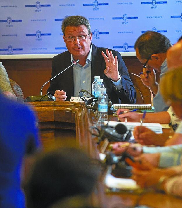 Santano, en la Comisión de Investigación de junio./DE LA HERA