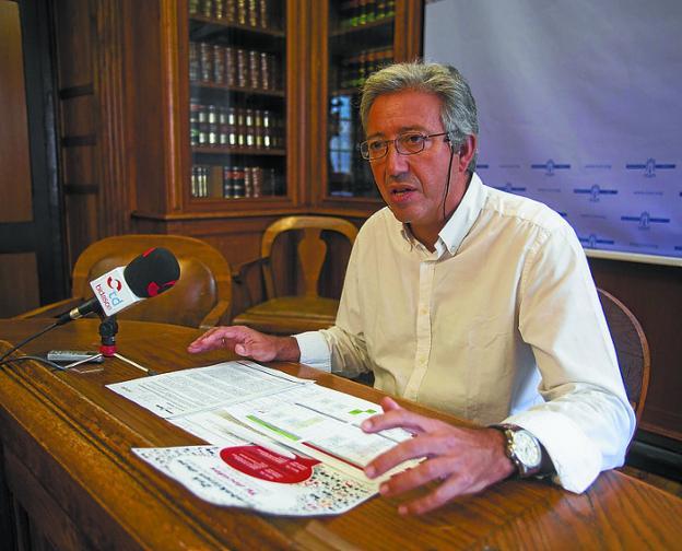 El delegado, Pedro Alegre, presentó el proceso./F. DE LA HERA