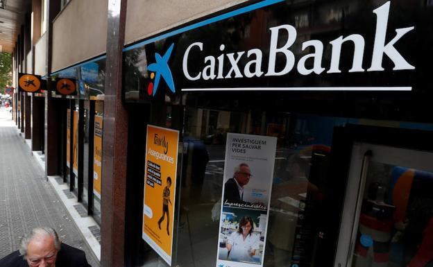 Caixabank se desprende de su 9 en repsol tras dos d cadas for Oficinas caixabank madrid