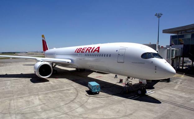 Air Nostrum cancela diez vuelos previstos para este lunes en San Sebastián y Bilbao