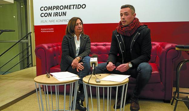 Marimar Fernández y Jon Ugarte presentaron el proceso. /  F. DE LA HERA