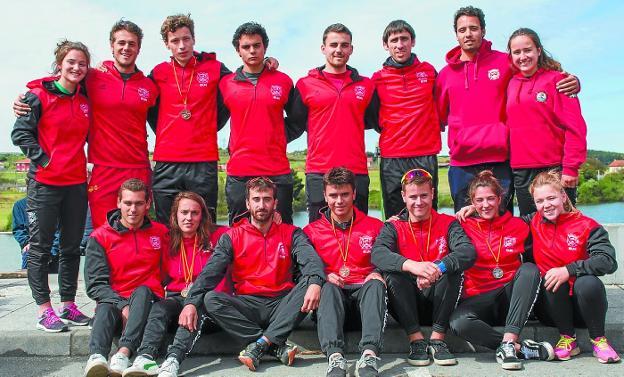 Equipo de Santiagotarrak que participó en la Copa de España de sprint en Trasona. /