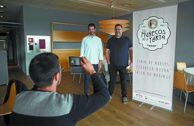 Organizadores. Yon Gallardo y Fernando Vergara presentaron la feria de novios./F. DE LA HERA