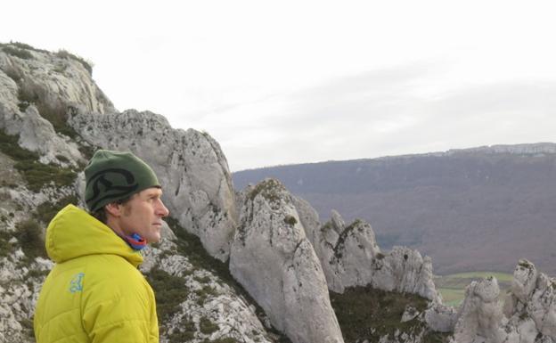 El alpinista gasteiztarra Juan Vallejo. / FERNANDO J. PÉREZ