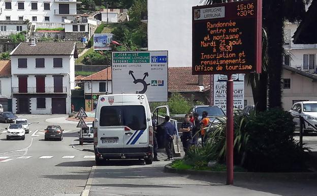 Denuncian que Francia sigue expulsando ilegalmente a inmigrantes a Irun