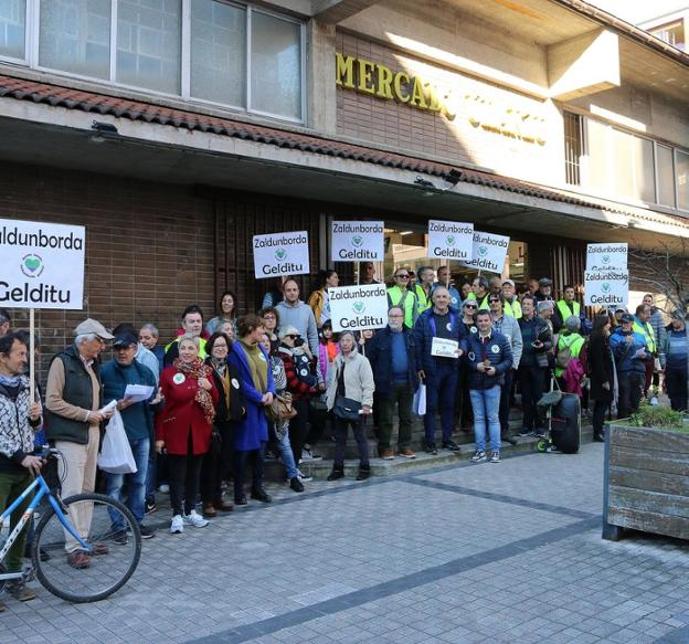Marcha contra el outlet de Zaldunborda