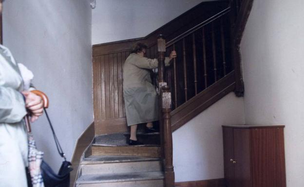 Vivir sin ascensor es uno de los indicadores que se han analizado./DV