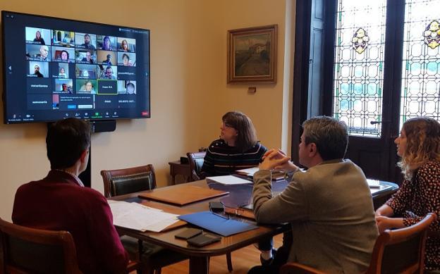 Imagen del encuentro telemático de la Comisión de Bienestar social, celebrada hace unos días. /