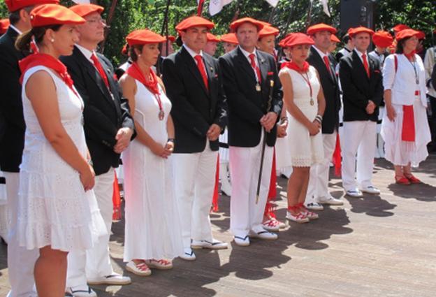 La Corporación durante el cumplimiento del voto en una imagen de archivo correspondiente al año 2012. / F. DE LA HERA