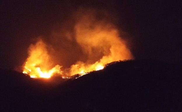 Desalojados 38 caseríos en Irun