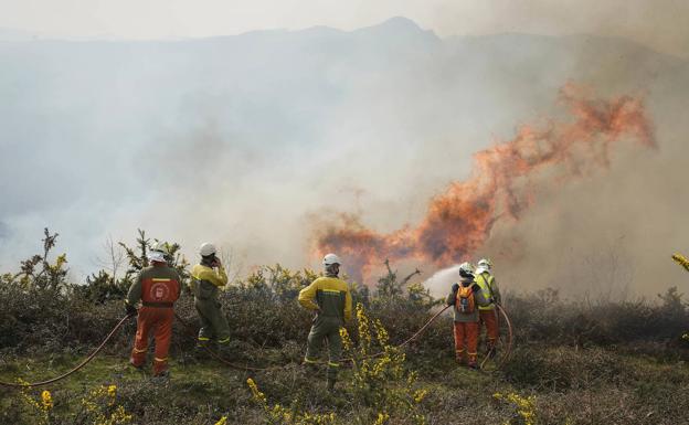 El mayor incendio en una década en Gipuzkoa