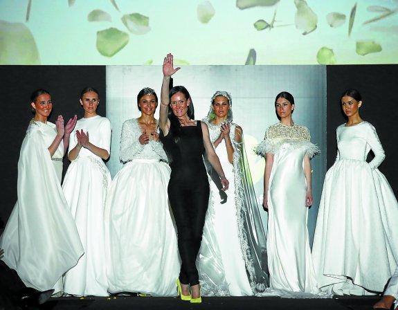 el encanto de las novias de isabel zapardiez   el diario vasco
